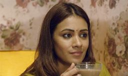 Dil Ki Suno Review - A Few Feel-Good Moments in Oversimplified Shorts