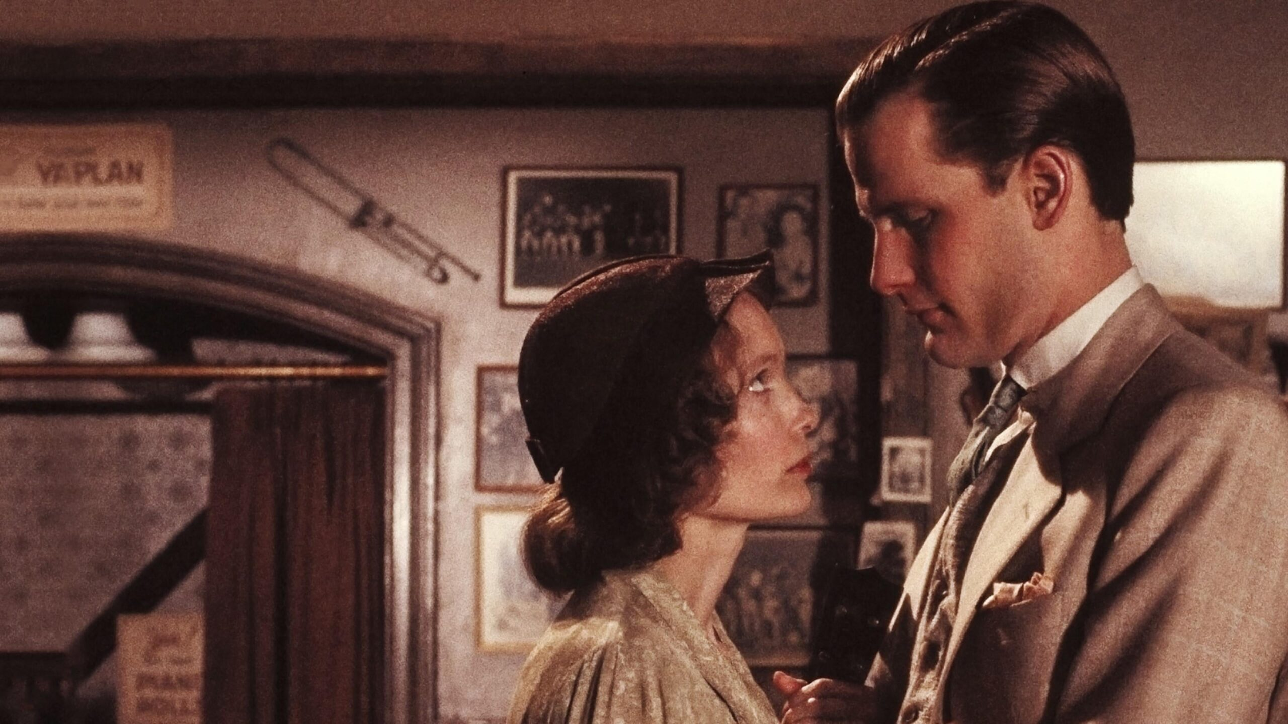 The Purple Rose of Cairo Movie Streaming Online