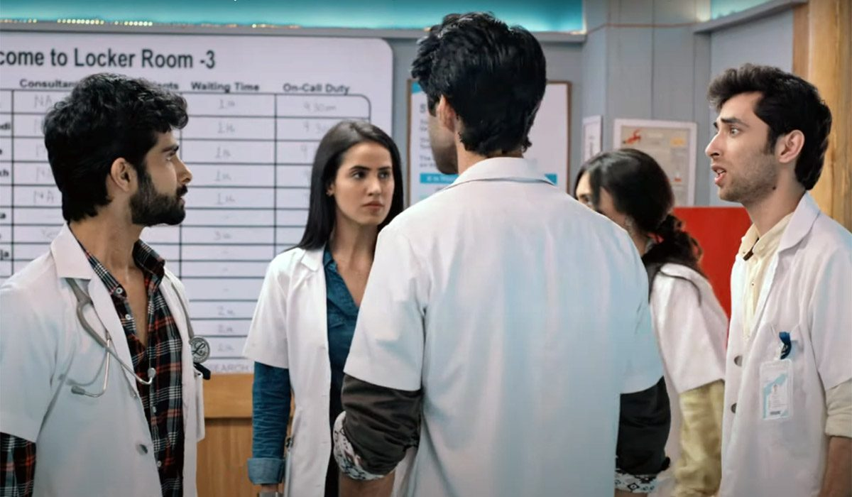 Altbalaji-&-Zee5's-'Love,-Scandal-and-Doctors'-Is-More-Than-Just-A-Murder-Mystery!